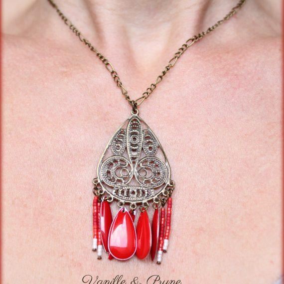 Collier bronze estampe ajourée breloques perles miyuki rouge, navettes émaillées