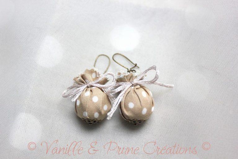 Boucles d'oreilles enfant textile beige et bronze
