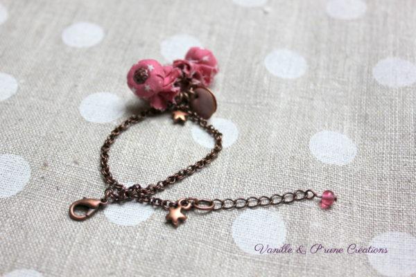 Bracelet perles textiles bonbons étoilés rose cuivré breloques émaillées