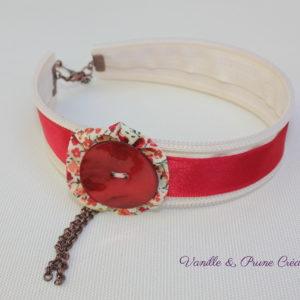 Collier ras-du-cou tissu zippé écru, satin, yoyo et bouton de nacre