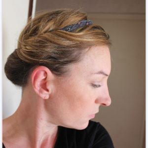 Bandeau headband Jersey recyclé chocolat cordon fleuri, yoyo textile