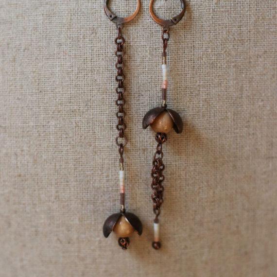 Boucles d'oreilles cuivrées, bois naturel et miyuki rosées