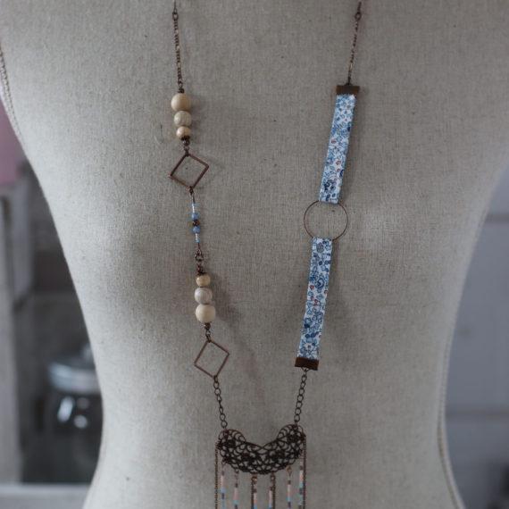 Sautoir cuivré, Liberty® bleu ciel, miyuki et bohèmes assorties, perles bois et métal