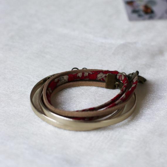 Bracelet multi-rangs cuir doré clair, Cordon Liberty® et daim brun clair breloque étoile