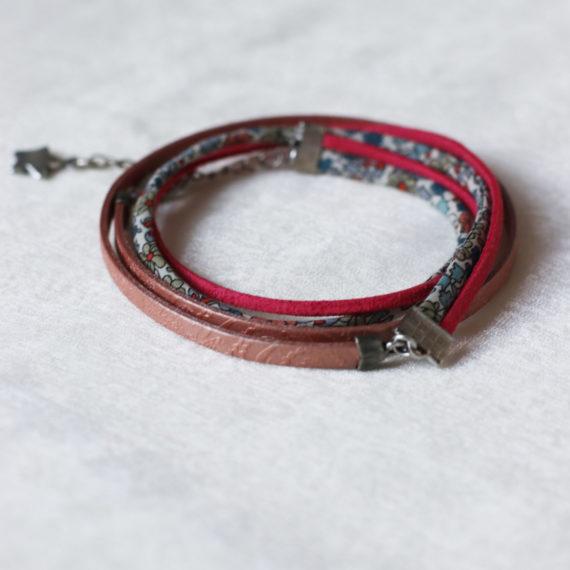 Bracelet multi-rangs cuir vieux rose, Cordon Liberty® et daim rose foncé breloque étoile