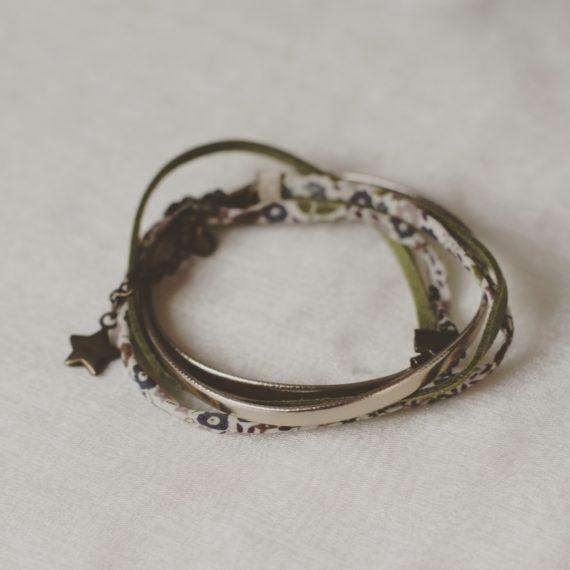 Bracelet multi-rangs cuir Liberty® et daim, breloque étoile