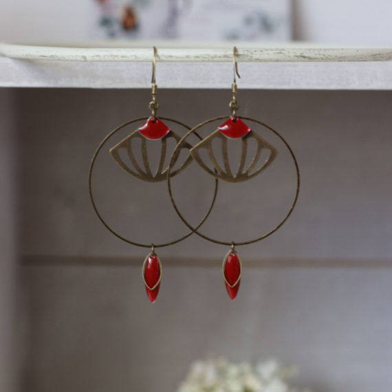 Boucles d'oreilles bronze intercalaire ronds et formes éventails ajourées sequins rouges