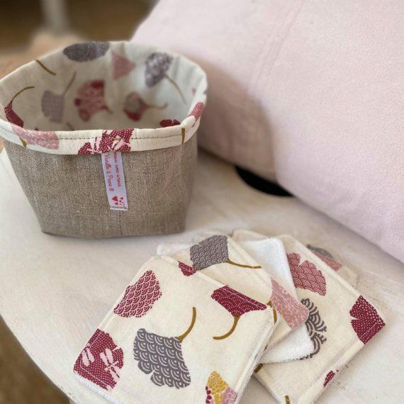 Lingettes démaquillantes lavables fleuries Ginkgo gris et rosé,  panier assorti